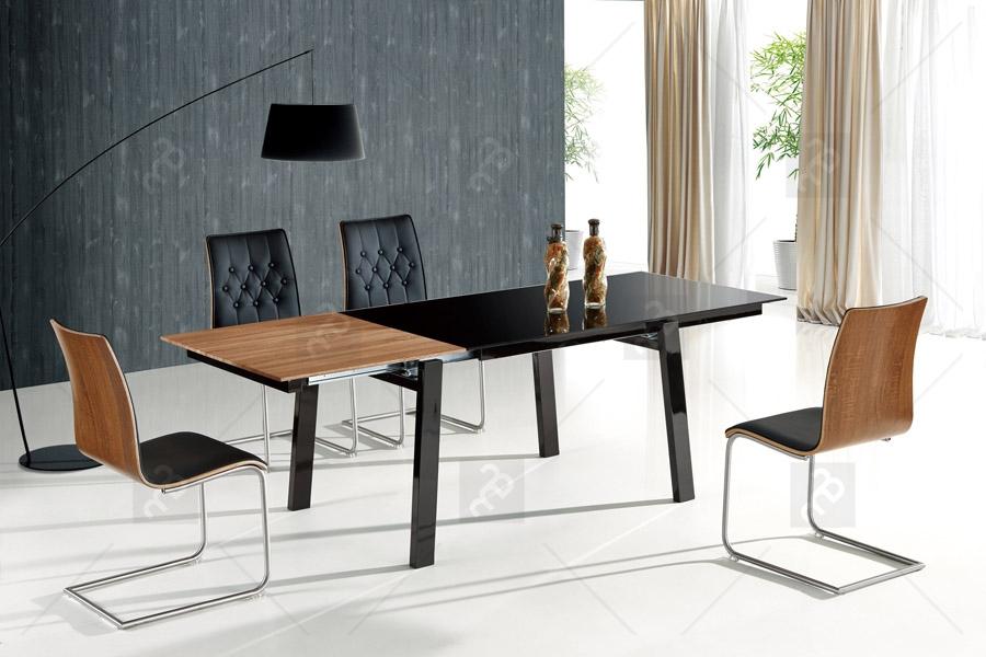 Nowoczesne stoły z modnej kolekcji Benedikt