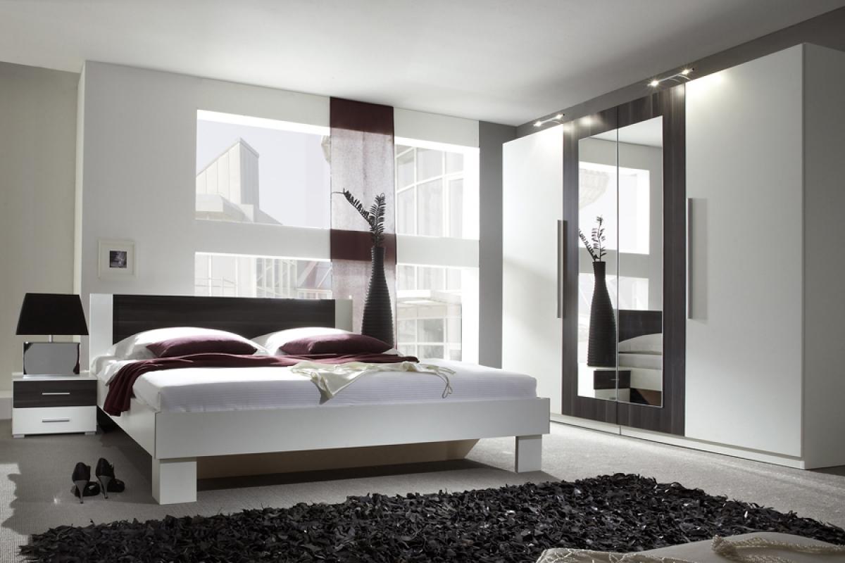 mała sypialnia i meble